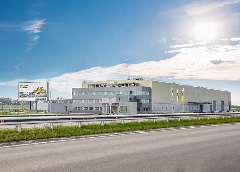 Доставка бетона и заливка бетонной смеси. Завод Liebherr.